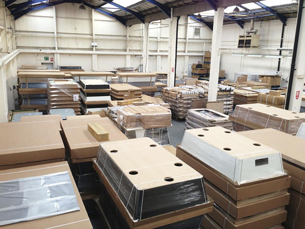 Mesas de Billares y futbolines, Billares Luengo, accesorios, fabricación, distribución y venta en Madrid, Toledo, Islas Canarias